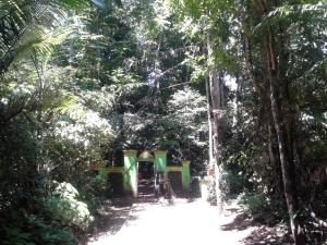Jalan Menuju Situ Sangiang
