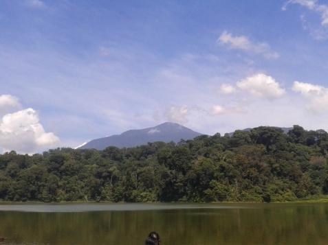 Panorama Situ Sangiang dan Gunung Ciremai