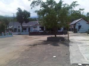 Dari Balai Desa ini belok kiri menuju objek wisata Curug Baligo