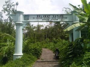 Gerbang masuk menuju Situ Cipanten