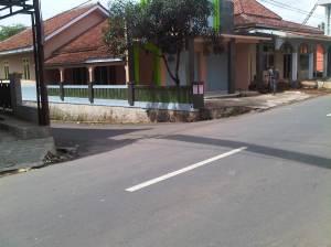Belok ke jalan tsb dari jalur Talaga - Bantarujeg