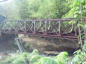 Bekas Jembatan KA di Ciputis Kadipaten
