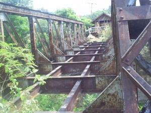 Bekas Jembatan KA di Bojong Cideres Dawuan