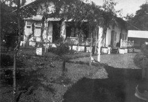 Rumah Kepala Administratur Perkebunan Teh Tjigoleg (Sumber: Tropenmuseum)