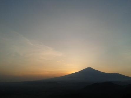 Siluet Gunung Ciremai saat Sunrise