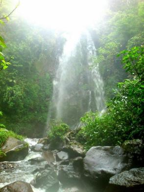 Curug Sawer. Photo By @sepasanglangkah