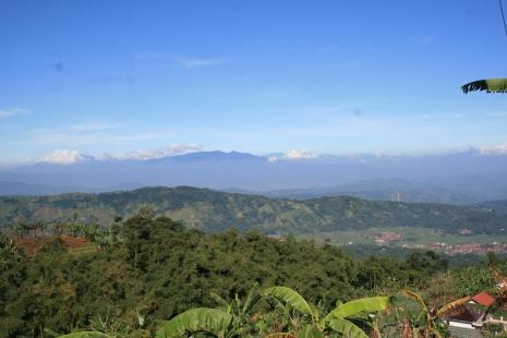 Panorama dari Kaki Gunung Ciremai Kawasan Argalingga