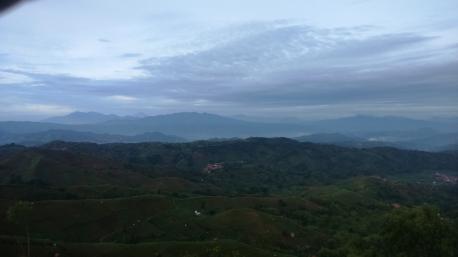 Deretan Puncak Gunung Tanah Parahyangan