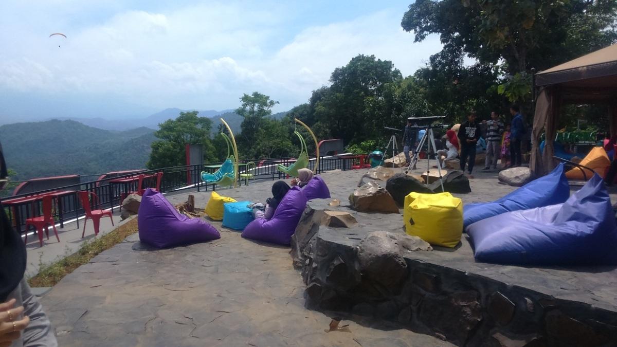 Paraland Gunung Panten, Wahana Wisata Baru di Majalengka